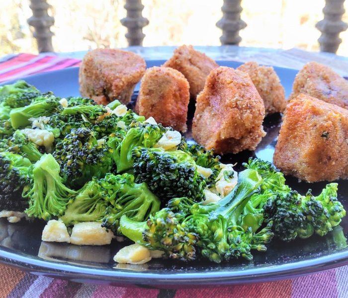 Croquetas de boniato y anchoas con salteado de brócoli